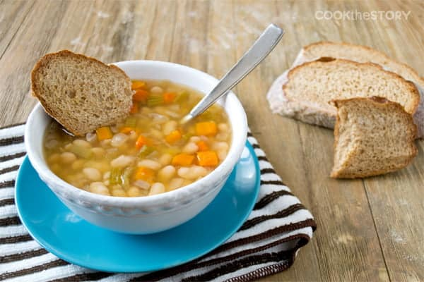Slow Cooker Italian Vegetarian Bean Soup - An easy, meatless, weeknight meal recipe that the whole family will love.