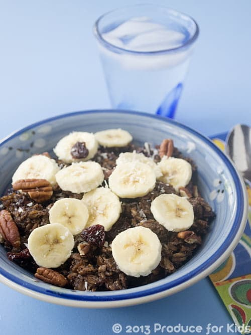 Coco-Banana Overnight Oats, one of the easy and healthy breakfast recipes from @ProduceForKids
