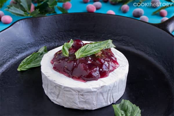 Baked Brie with Cranberry and Basil
